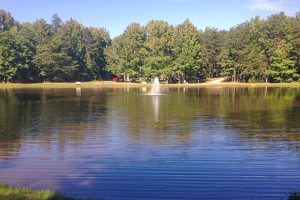 Woodlands Camping Resort Pond with Fountain